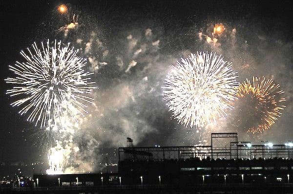 fogos-de-artificio-comemoracao-festas-rojao-petrede