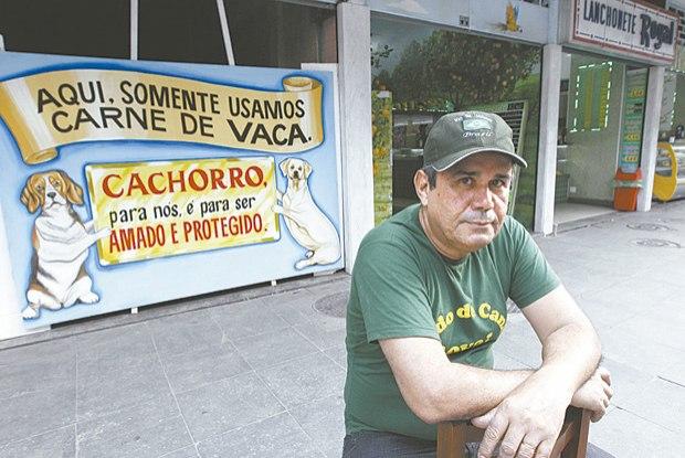 lanchonete_faz_placa_para_avisar_que_não_usa_carne_de_cachorro_em_salgados-foto_de_Joao_Laet_Agencia_O_Dia